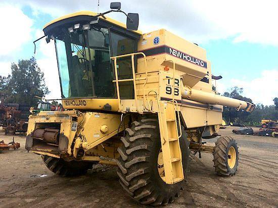 New Holland TR98 combine harvester