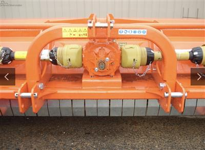 Photo 4. TIERRE TRL DT/MR400 mulcher