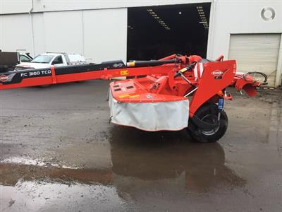 Photo 4. Kuhn FC 3160 TCD mower conditioner