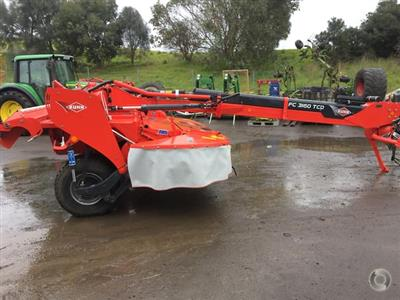 Photo 3. Kuhn FC 3160 TCD mower conditioner