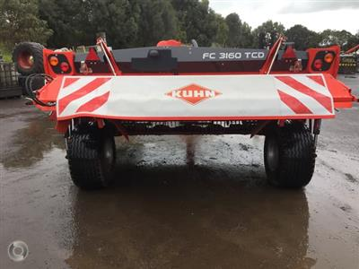 Photo 2. Kuhn FC 3160 TCD mower conditioner