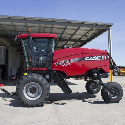 Photo 3. CASE IH 2304 WD & RD193 PACKAGE windrower