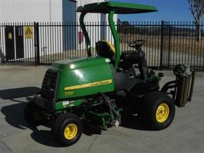 Photo 3. John Deere 7700 ride-on mower