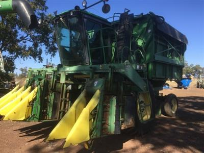 Photo 2. John Deere 9960 cotton harvester