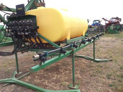 Photo 5. Hayes & Baguley 24m boom sprayer