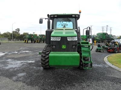Photo 2. John Deere 8360RT tracked tractor