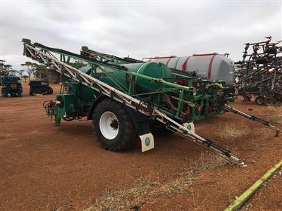 Photo 2. Goldacres Advance 8000 boom sprayer