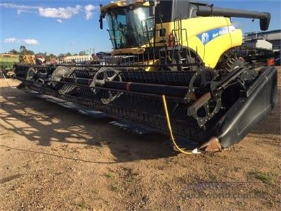 New Holland CR9070 Combine Harvesters