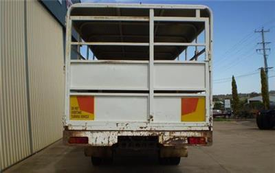 Photo 5. Nissan Diesel UD CMF87 Stock Crate truck