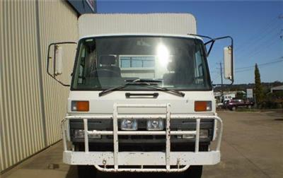 Photo 2. Nissan Diesel UD CMF87 Stock Crate truck