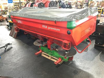 Photo 1. UNIA MX1200 UNIA MX1200 Fertilizer/Manure Spreader