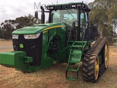 Photo 1. JOHN DEERE 8335RT tracked tractor