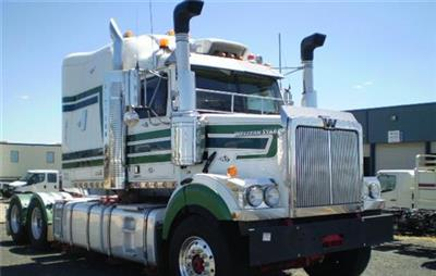 Photo 1. Western Star 4864FXC Prime Mover