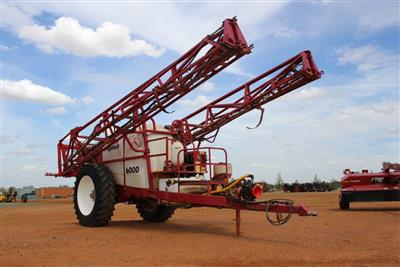 Photo 1. CROPLAND PEGASUS 6000 boom sprayer
