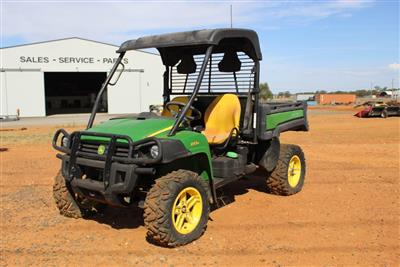Photo 1. JOHN DEERE GATOR 855D utv