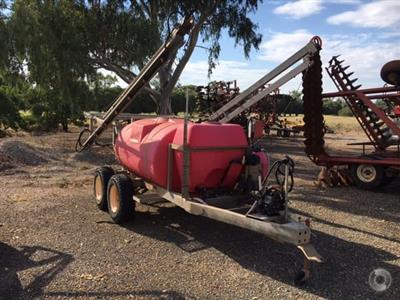 Photo 1. SILVAN PADDOCK MASTER boom sprayer