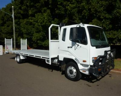 Photo 1. Fuso Fighter 1227 truck