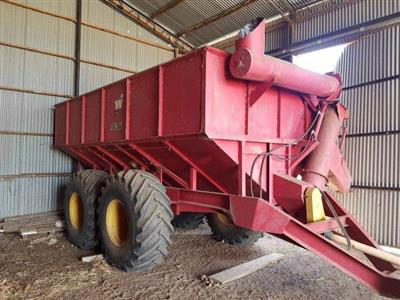 WHITE GB200 grain Chaser cart