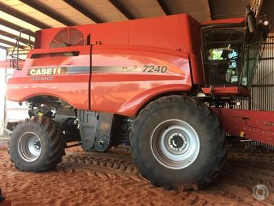 Photo 1. CASE IH 7240 combine harvester