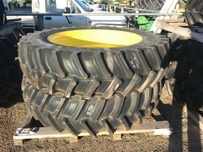 John Deere Rear Duals and Hubs tyre