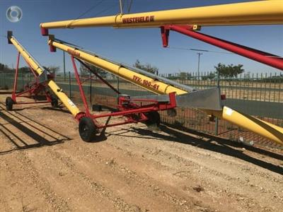 Photo 1. Westfield TFX 10 x 41ft grain auger