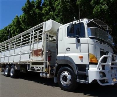 Photo 1. Hino FS -700 Series truck