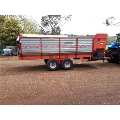Photo 1. PEARSON SD130 SILAGE FEEDOUT CART