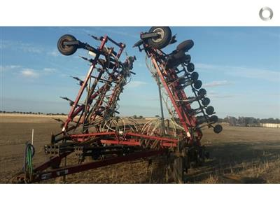 Photo 1. Case IH PTX600 airseeder