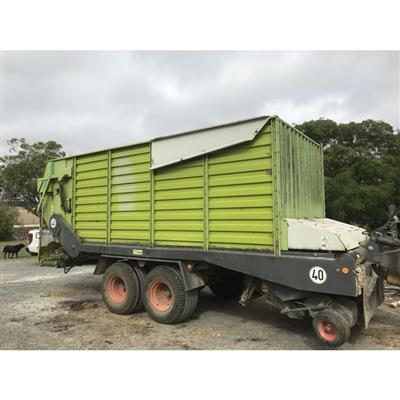 CLAAS QUANTUM FORAGE WAGON & FEEDOUT CART