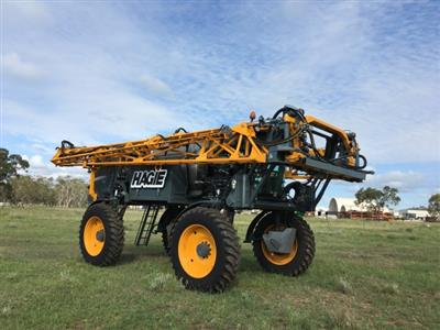 Hagie STS16 self propelled sprayer