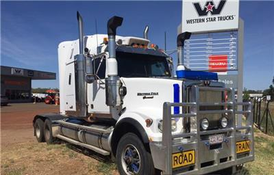Photo 1. Western Star 4964FX Prime Mover