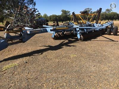 Photo 1. GRIZZLY 112 WEST COASTER cultivator