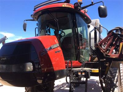 Photo 1. CASE IH PATRIOT 4430 self propelled sprayer