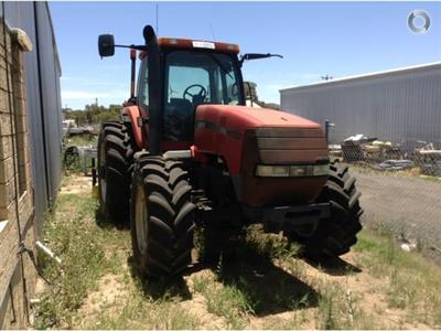 Photo 1. CASE IH MX180 tractor