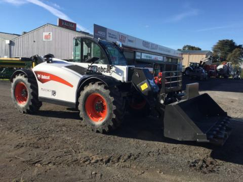 Photo 1. Bobcat L38.70HF telehandler