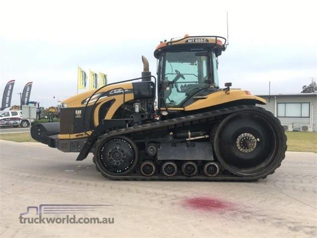 Photo 1. Challenger MT855C tracked tractor