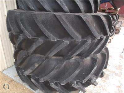 Photo 1. Michelin 520/70R34 &420/70R24 tyre