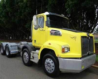 Photo 1. Western Star 4764SXC 4700SB prime mover