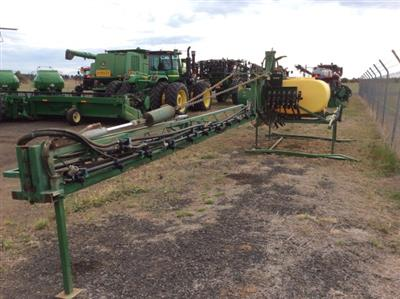 Photo 1. Hayes & Baguley 24m boom sprayer