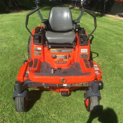 Photo 1. KUBOTA ZG222 lawn mower