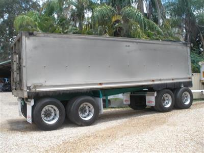 Photo 1. SAWTELL & SONS 4 AXLE trailer