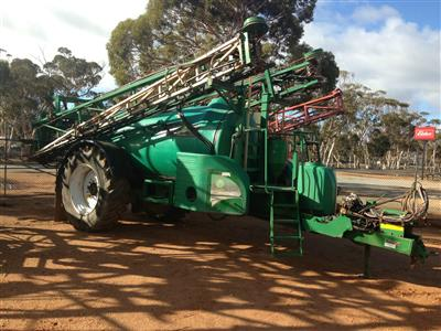 Photo 1. Goldacres Prairie Advance boom sprayer