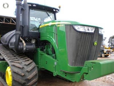 Photo 1. John Deere 9560RT tracked tractor