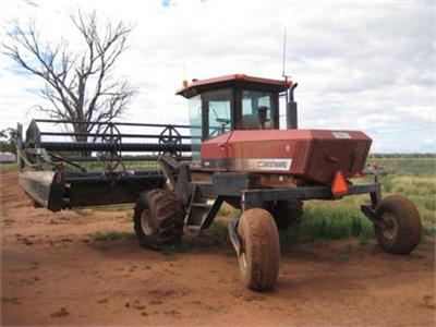 WESTWARD 9300 windrower