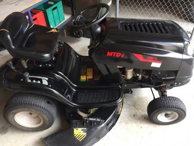 Photo 1. MTD 420/38 ride on mower