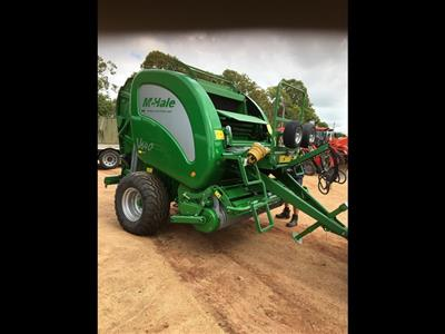 Photo 1. MCHALE V640 round baler