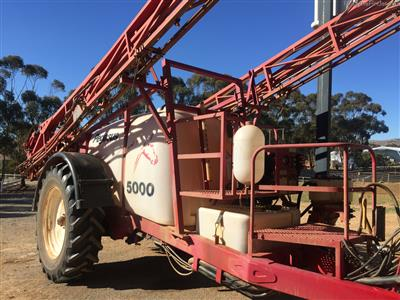 Photo 1. CROPLANDS PEGASUS 5028 boomsprayer