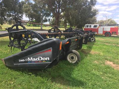 Macdon D60D Front and 4 axle Trailer harvester front