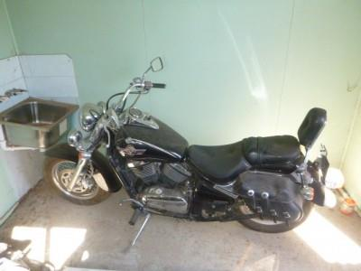 Photo 1. Kawasaki VN800 Cruiser bike