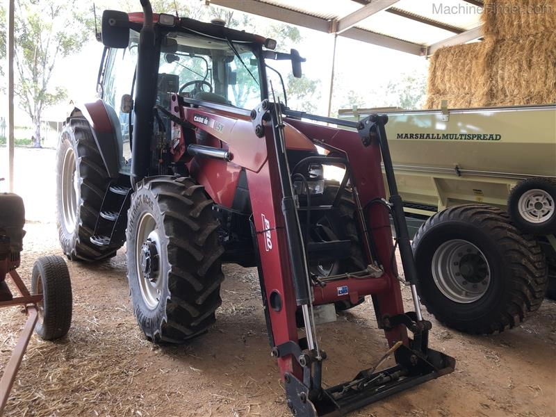 Photo 1. Case IH Maxxum 110 tractor